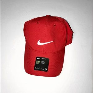 Nike Accessories - ALL RED NIKE DRIFIT DAD CAP 🎩🎩